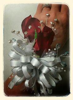 Rose Hand Wrist Corsage