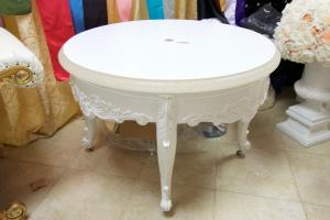 Round Table with White Table Top 43\