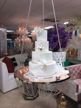 Hanging Cake Swing with Crystals