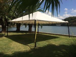 20\' x 20\' Tent Frame / Set up
