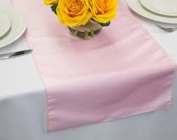 Table Runner Taffeta Color Pink