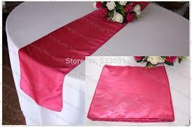 Table Runner Satin Color Guava